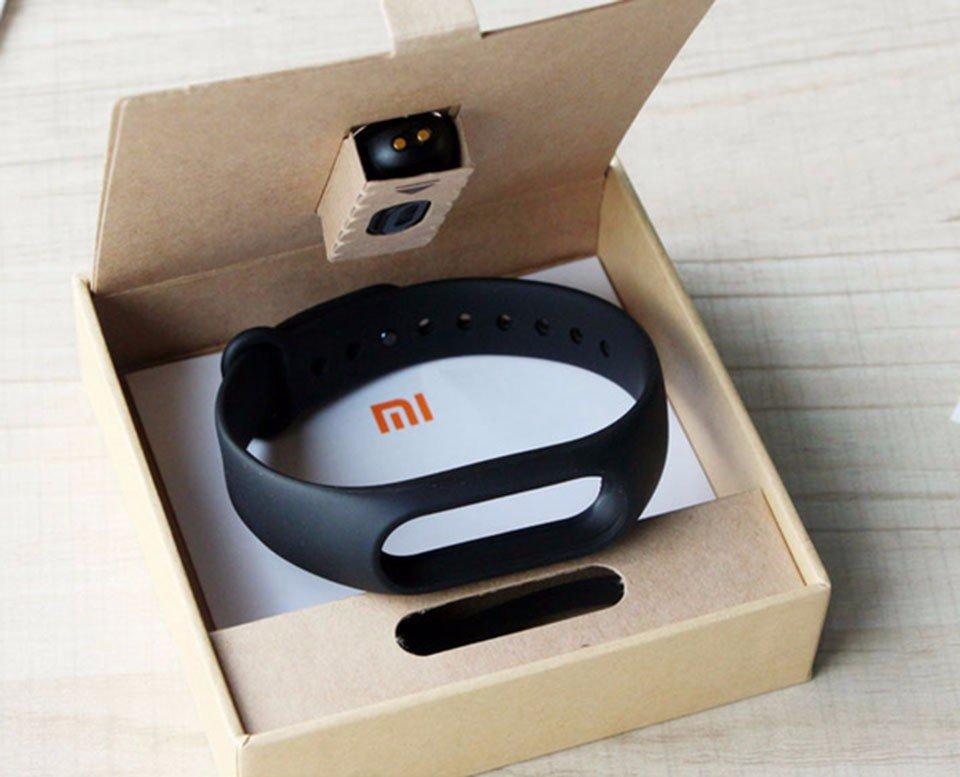 Дизайн трекера Xiaomi Mi Band 2