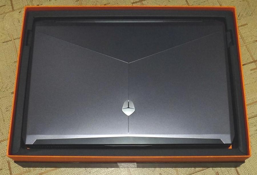 Распаковка ноутбука ThundeRobot ST Pro